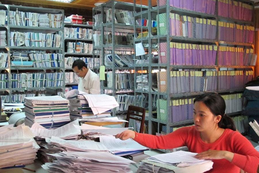 Lưu trữ, quản lý hồ sơ tài liệu thủ công ngày càng trở nên bất cập